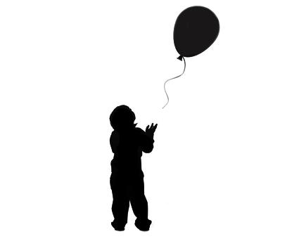 Silueta de niño perdiendo un globo